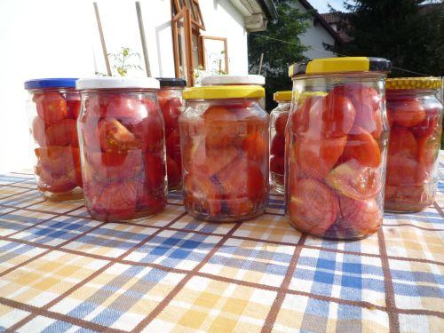 Jak zavařit rajčata, abyste je měli v zimě po ruce?